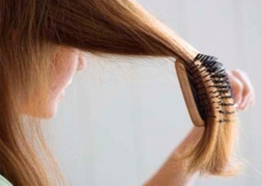 Волосы остаются на расчёске