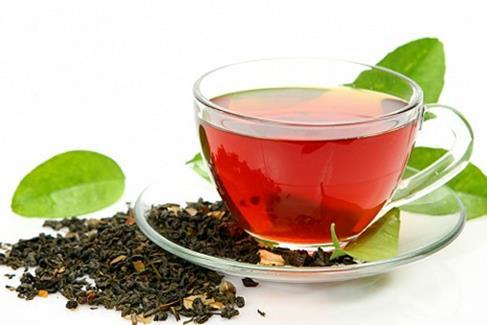 Черный чай для борьбы с перхотью