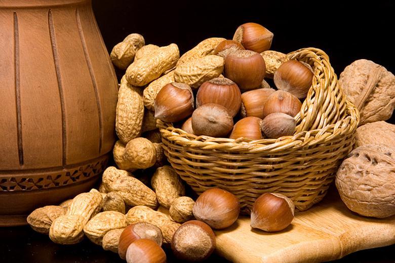 Орехи богаты микроэлементом B5