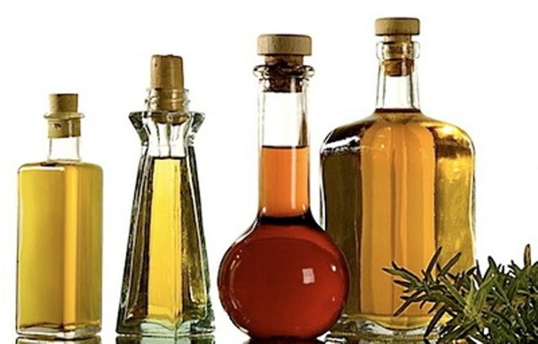 Касторовое масло в емкости