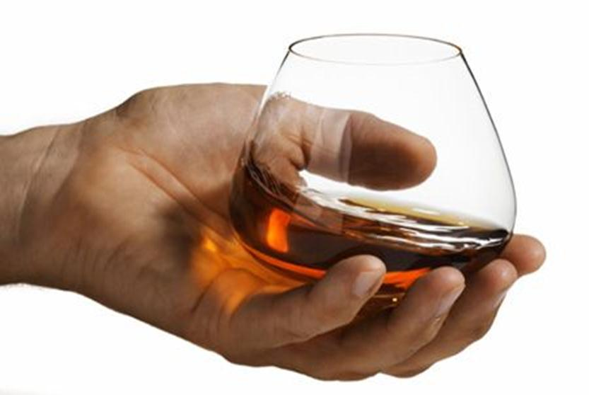 Фужер с алкоголем